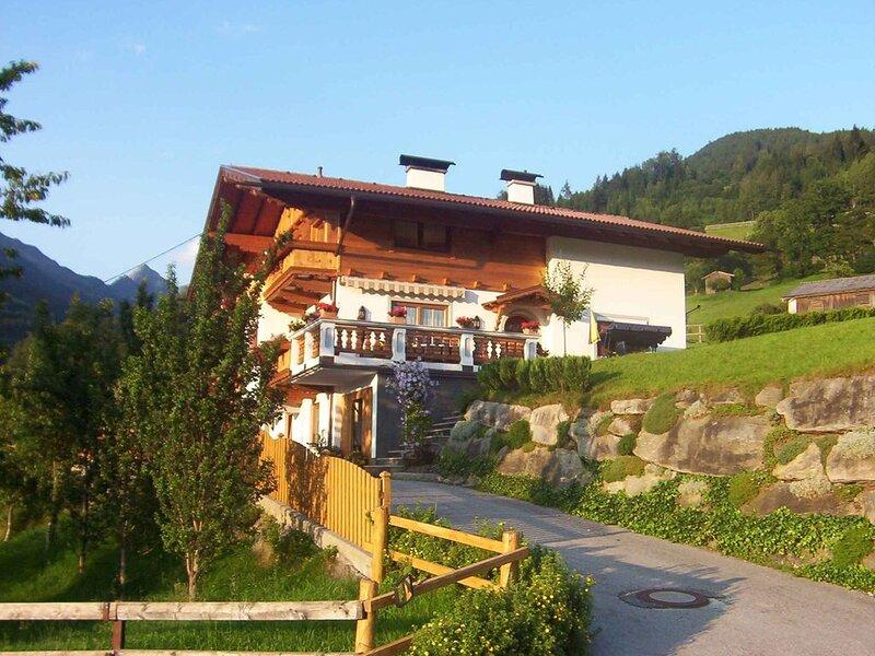 Ferienwohnung mitten im Zillertal, holiday rental in Stummerberg