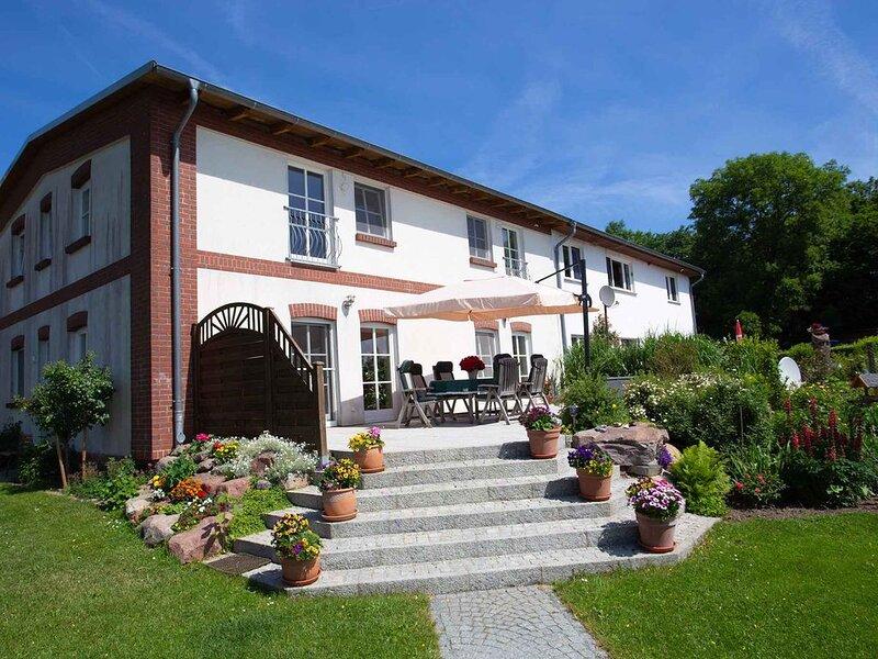 Ferienwohnung Grillplatz und Spielplatz, holiday rental in Bergen auf Ruegen