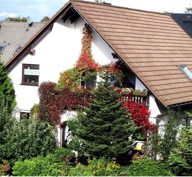 Ferienwohnung mit Internetzugang und nur 800 m vom Skilift, aluguéis de temporada em Stuetzengruen