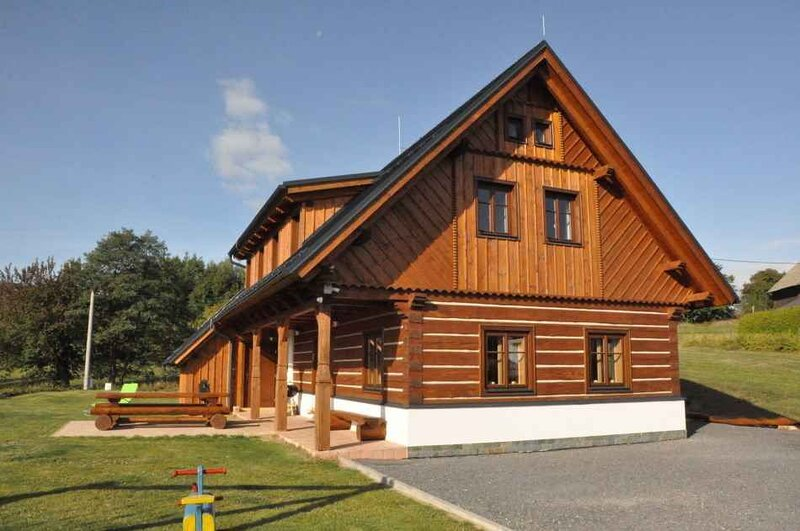 Ferienhaus mit Kamin, holiday rental in Lisny