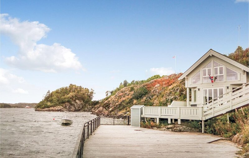3 Zimmer Unterkunft in Skogsvåg, holiday rental in Lysekloster