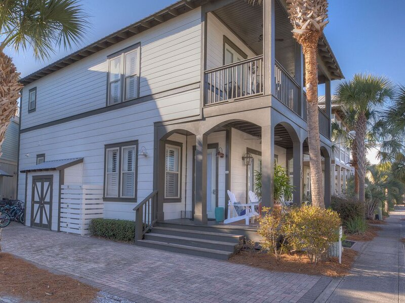 Family Tides 30A ~ Steps from Rosemary Beach, dining and shopping ♥, vacation rental in Seacrest Beach