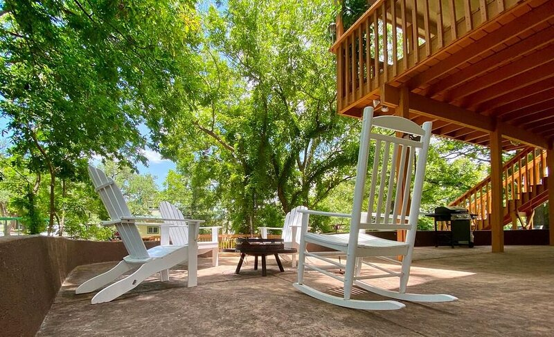Pecan Paradise - Come relax and unwind in the beautiful Pecan Grove!, holiday rental in Tow