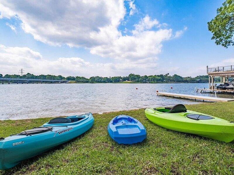 Bluebonnet Lodge - Come relax on Lake LBJ!, casa vacanza a Sunrise Beach
