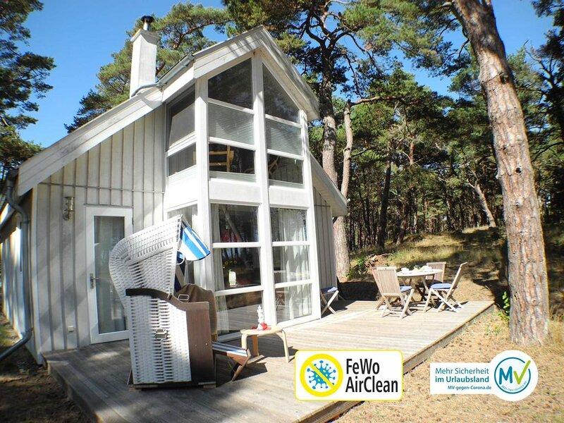 Strandhaus Sandrose: Exklusives Ferienhaus direkt am Meer, location de vacances à Ile de Rügen