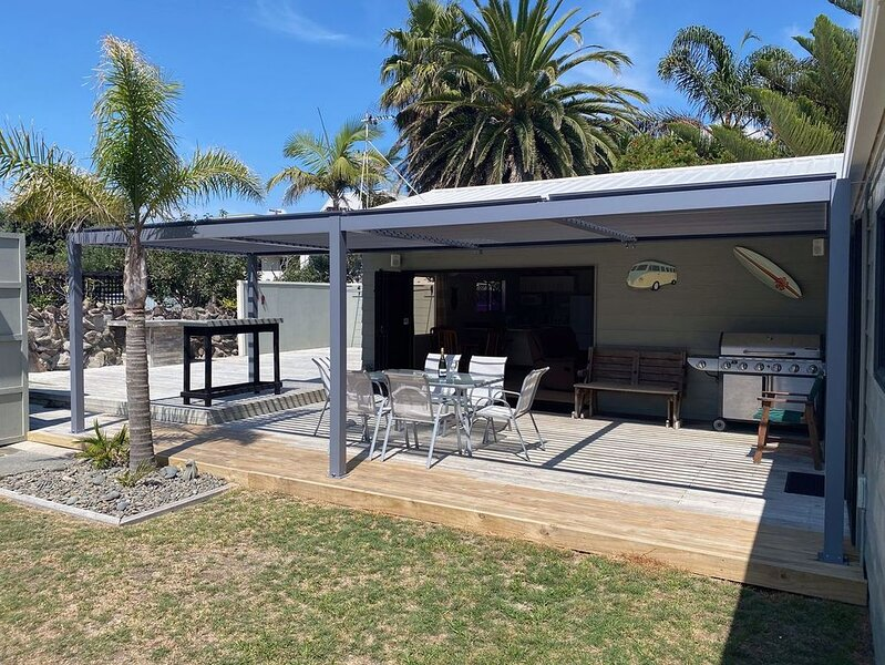 Slice of Paradise - Papamoa Holiday Home, location de vacances à Paengaroa