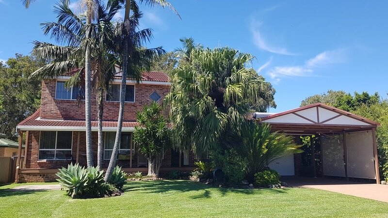 THE BEACH HOUSE - North Haven, NSW, holiday rental in Camden Haven