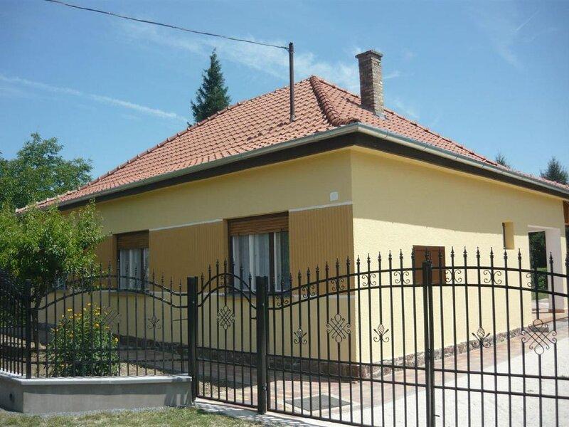 Ferienwohnung Fonyód für 1 - 7 Personen mit 3 Schlafzimmern - Ferienwohnung, holiday rental in Badacsonytomaj
