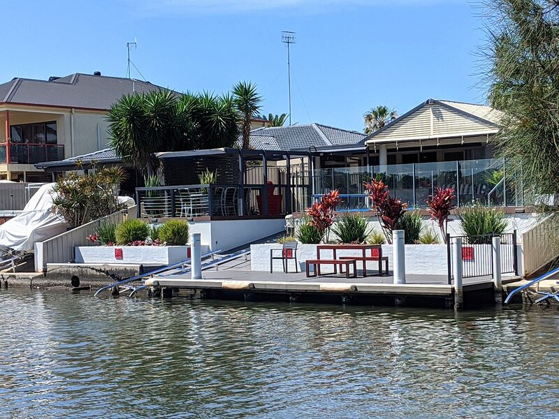Grand Riviera Forster- Waterfront, Wharf & Pool, alquiler vacacional en Tuncurry