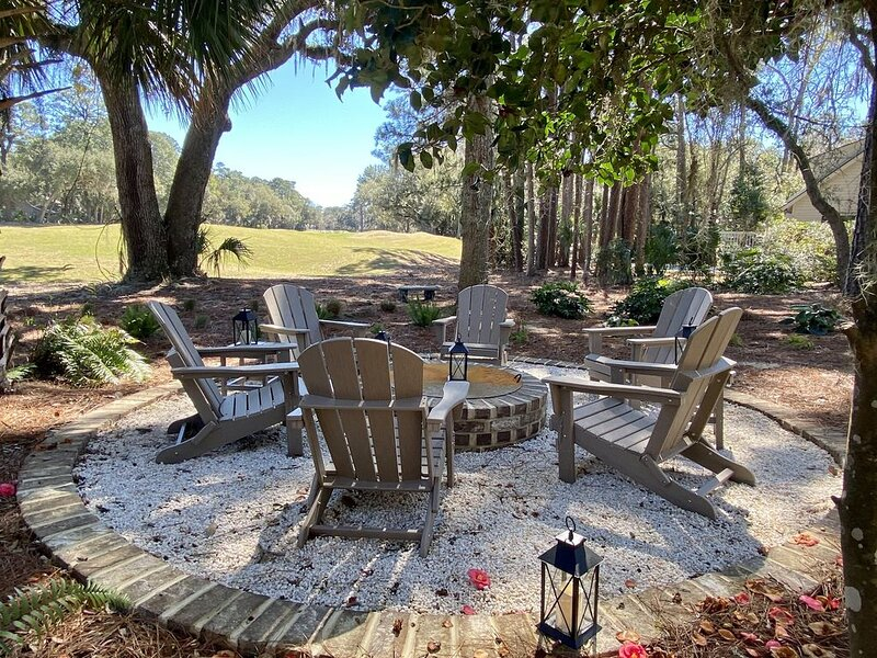 **RBC-Heritage House**HEATED-POOL**2-FIRE PITS**FIREPLACE**GOLF VIEW!*, vacation rental in Daufuskie Island