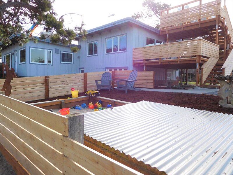 Fantastic Family Home – Ocean View Deck, Ping Pong, Games, Sand Box, Near Golf/R, holiday rental in Gearhart