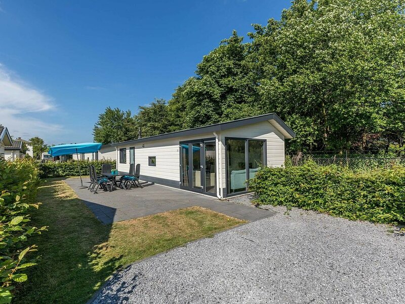 Freestanding five-person holiday home near the beach., vacation rental in Noordwijk