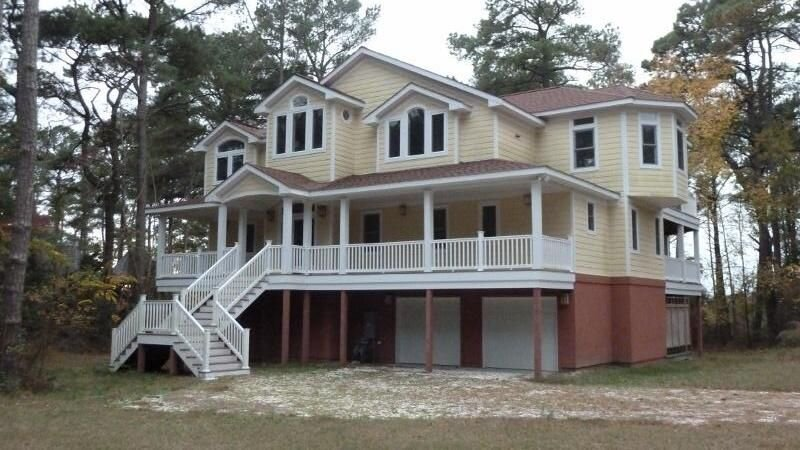 Bay Dunes-Sleeps 14, Steps From Private Beach Community Pool and Tennis, holiday rental in Cape Charles