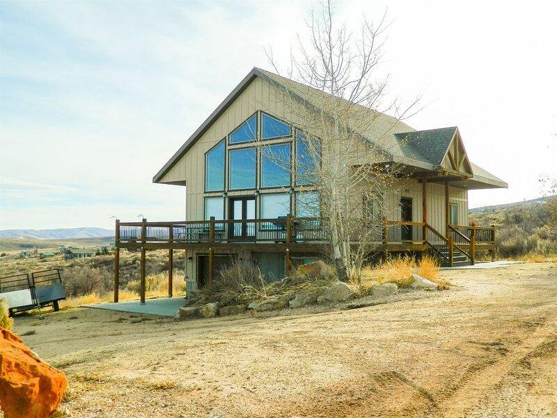 Blue Grass Cabin in Sweetwater-New Listing!, aluguéis de temporada em Laketown