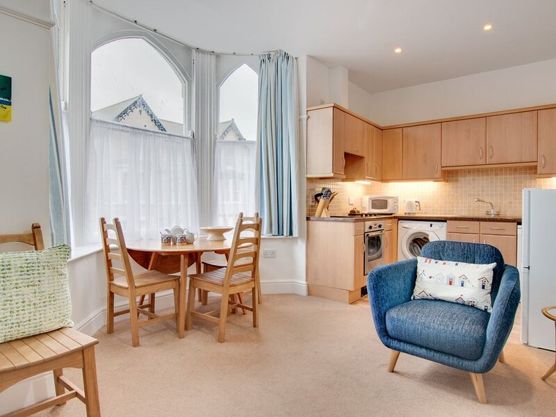 South Cliff Apartment, holiday rental in Crossgates
