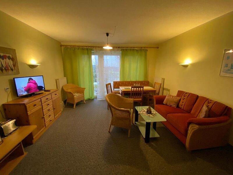 Barrierefreies und rollstuhlgerechts Appartement 30qm mit Terrasse, vacation rental in Waffenbrunn