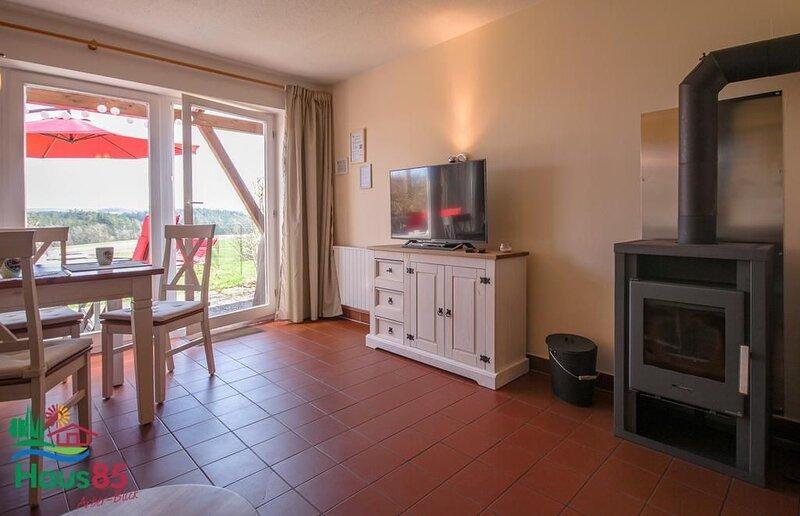Neu ausgestattes, gemütliches Ferienhaus in ruhiger Lage, vacation rental in Waffenbrunn