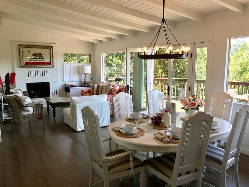 Hilltop Hideaway:  Bright, Fresh, Modern, Views And Only 2 Miles To Plaza, vacation rental in Healdsburg