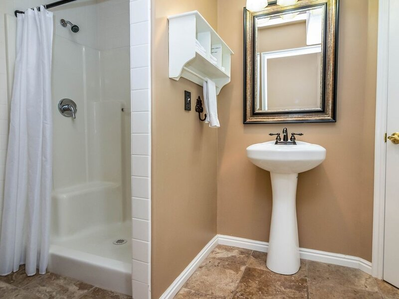 Full bathroom off bedroom 7 - - only accessible through this bedroom