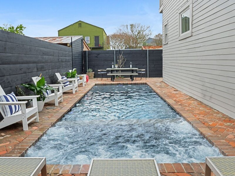 Garden District Getaway on Magazine  | Pool and Heated Spa, holiday rental in Gretna