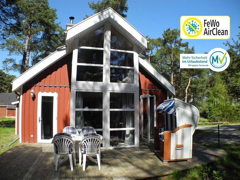 Luxus-Strandhaus mit Sauna, W-LAN, Kamin und Whirlpool, vacation rental in Ostseebad Baabe