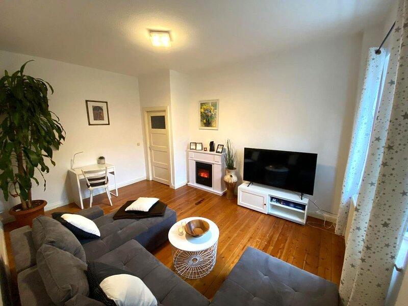 WELLENBRECHER Apartment - Ruhige familienfreundliche 3. Zi-Whg. mit Balkon, holiday rental in Roggentin