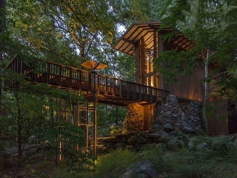 Stoneflower Cottage · Fay Jones home. Cottage on Greers Ferry Lake, vacation rental in Heber Springs