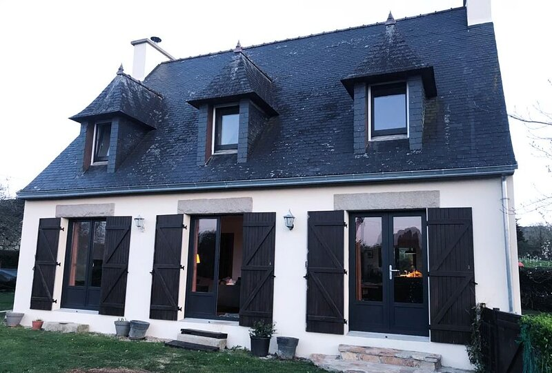 Country House, Beaches, Walking, Cycling, Kite/surfing, dog-friendly, vacation rental in Chateaulin