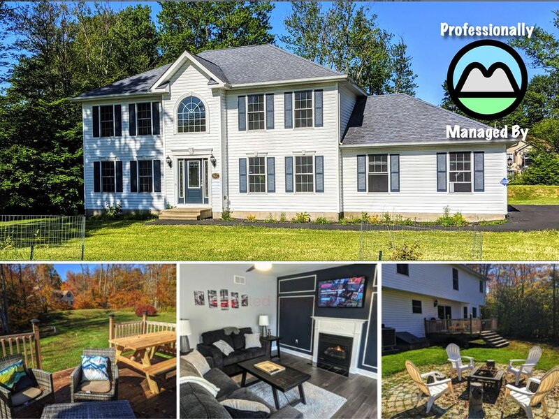 ⭐Happy Hollow⭐ GameRoom, FirePit & �⛰️���, holiday rental in Tobyhanna