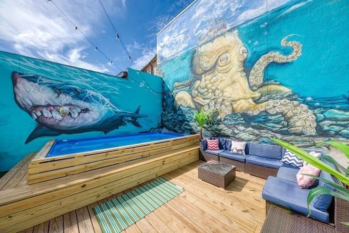 SHARK UNIT-THE BEST SPOT ON SIESTA KEY BEACH & VILLAGE! !, vacation rental in Siesta Key