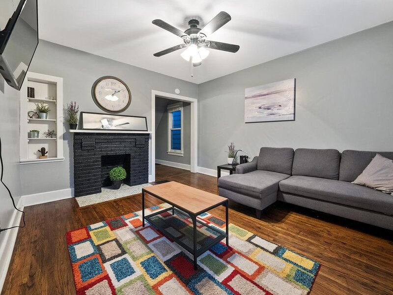 The Short North Modern Home, Downtown, holiday rental in Westerville