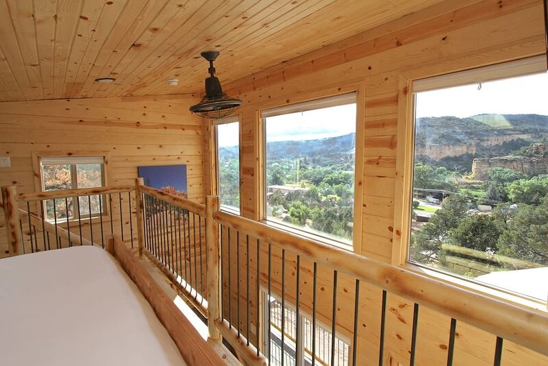 Treetop #8 at East Zion Resort, holiday rental in Mount Carmel