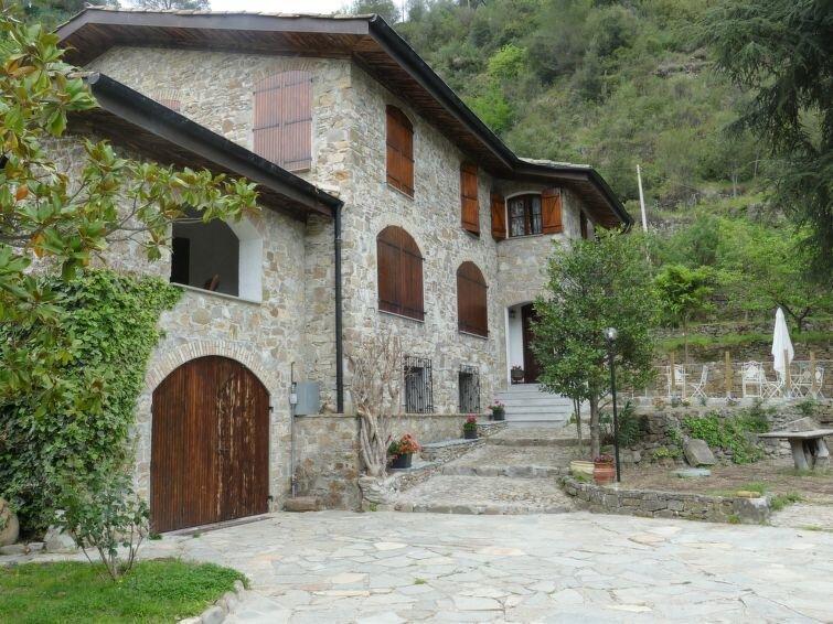 Vacation home Casa di Pietra  in Dolceacqua, Liguria: Riviera Ponente - 5 perso, location de vacances à Dolceacqua