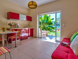 """ELEA 4"" - Cozy Apartment with Swimming Pool Near the Sea"