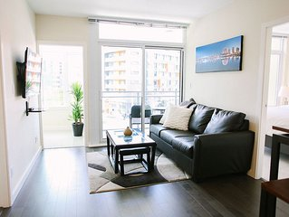 Modern 2BR in Olympic Village