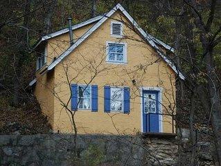 Adorable private cottage!!!!