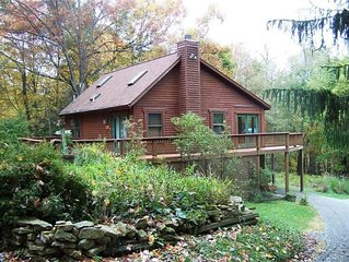 Great Log Cabin Located Near Deep Creek Lake.