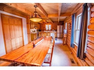 Spacious Log Home, 5 bedrooms, sleeps 16!  Near Okemo, Killington, Woodstock!!!