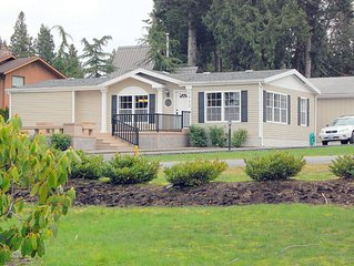 GlenMar Cottage - Family Friendly, Cozy & Cute, Beautiful View