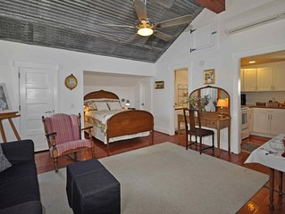 Award-winning Apartment in Downtown Boerne