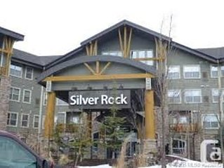 Luxury Condo. Has Hot tub, Indoor Pool, Steam room and close to Ski Hill!