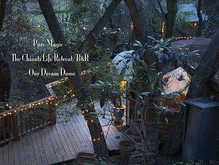 Uniquely romantic Dream Dome Treehouse - at The Chianti Life Retreat-Topanga