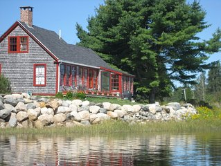 MAINE COAST WATERFRONT Picturesque Heron View Cottage on Machias Bay