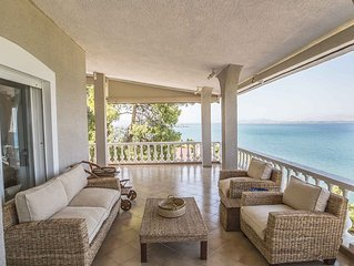 Dreamy Sea View Villa Just 50 Min Away From Athens