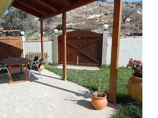 Family Friendly Apartment For 6 Persons In A Quiet Village Called Pitsidia