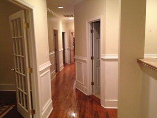 SVR00235 Only 3 blocks from Forsyth Park, free parking, walkable everywhere