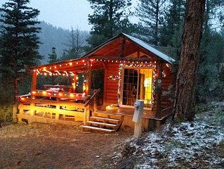 Brezzy Cabin Awaits You!