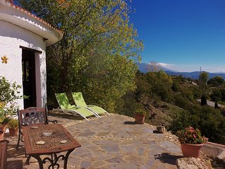 Country Casita With Private Pool And Amazing Views Just 30 Mins Walk From Valor