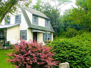 Private Charming Cottage in the Catskills - Pet-friendly and Close to NYC