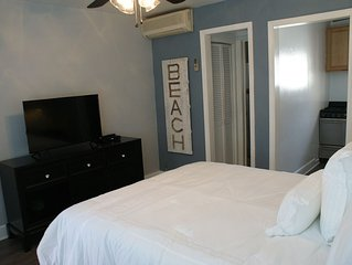 Luxurious Studio Suite - Steps away from Hermosa